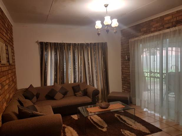 Spacious Family Home with Additional House/Flatlet For Sale in Valhalla.