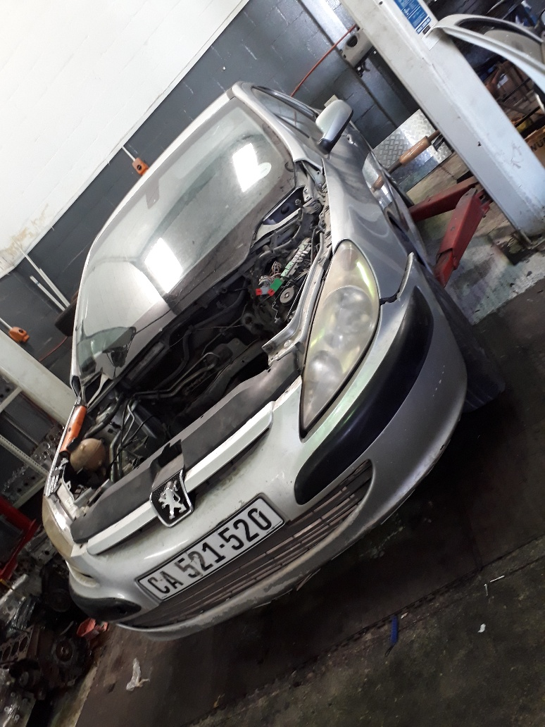 Peugeot 307 Hatch back – 2.0HDI – diesel striping for spares – all car available….