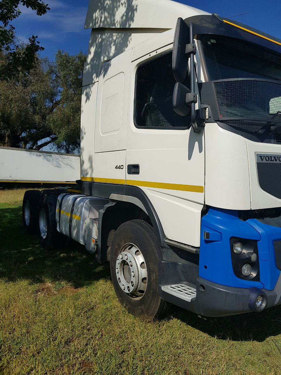 2013 Volvo FM440 6x4 truck tractor, Automatic for sale