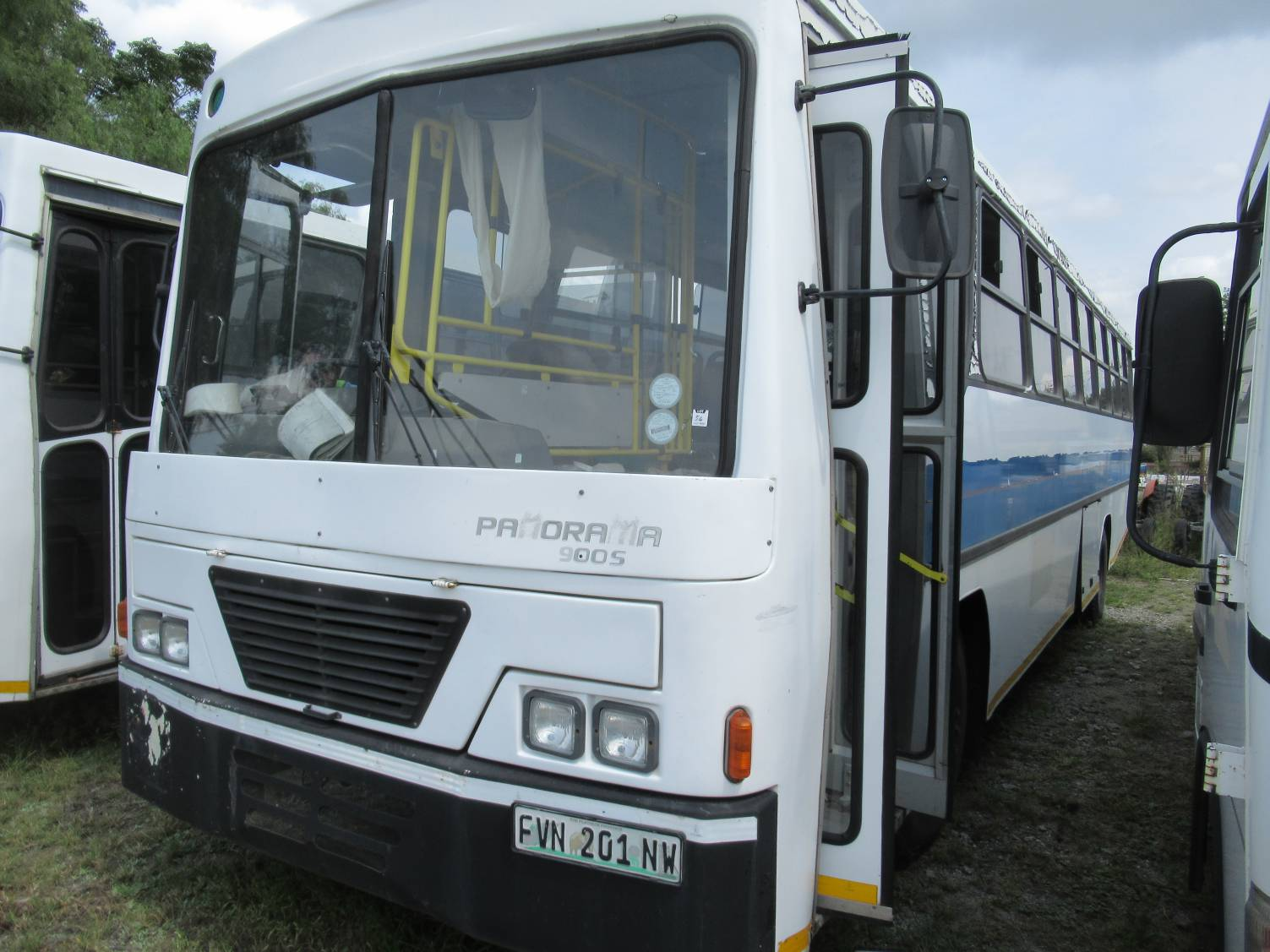 Nissan, UD Panorama, 900 S, 65 Seater Bus