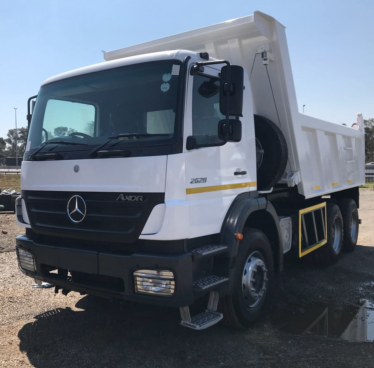 Mercedes Benz 10 Cube Tippers F/Sale