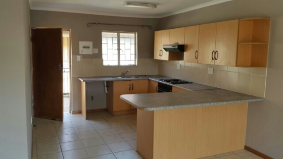 2 Bedroom Simpleks in Pretoria North for sale