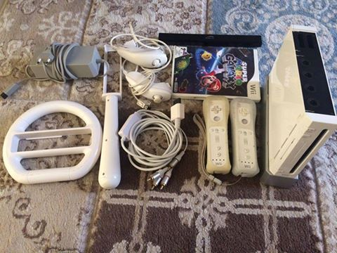Nintendo Wii with one game and all accessories