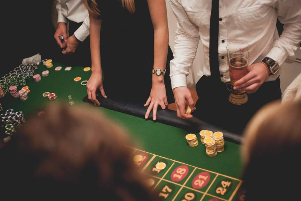 Entertainment with Real Gaming Tables: Blackjack, Roulette, Poker and Dice. Ask for your Free Casino Decor!!