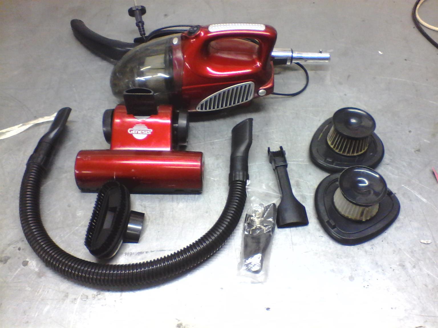 Genesis Minimax 1000w vacuum cleaner like new