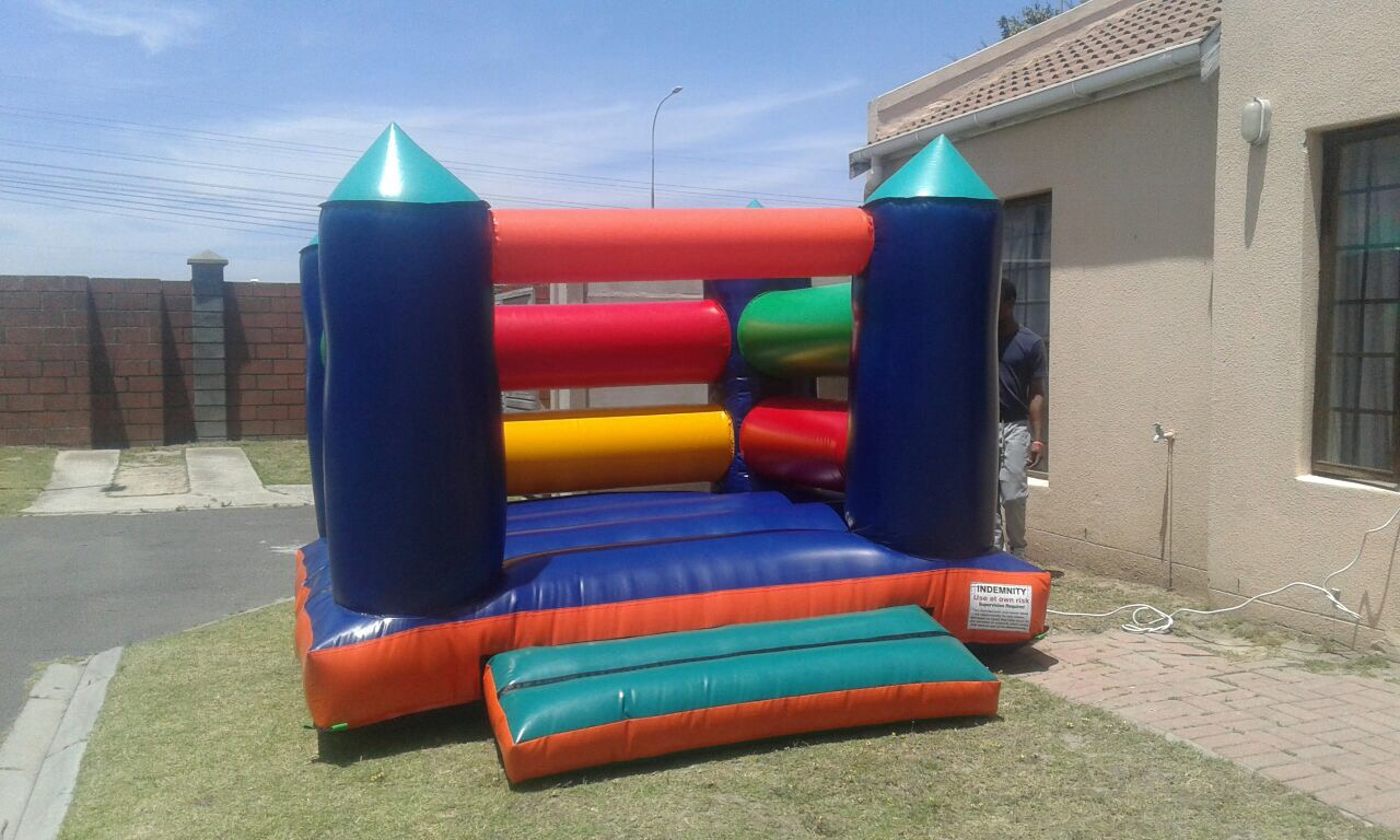 JUMPING CASTLES AND KIDS PARTY DECOR FOR HIRE
