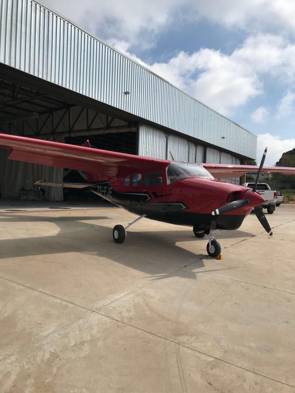 Cessna 210 Turbo | Junk Mail