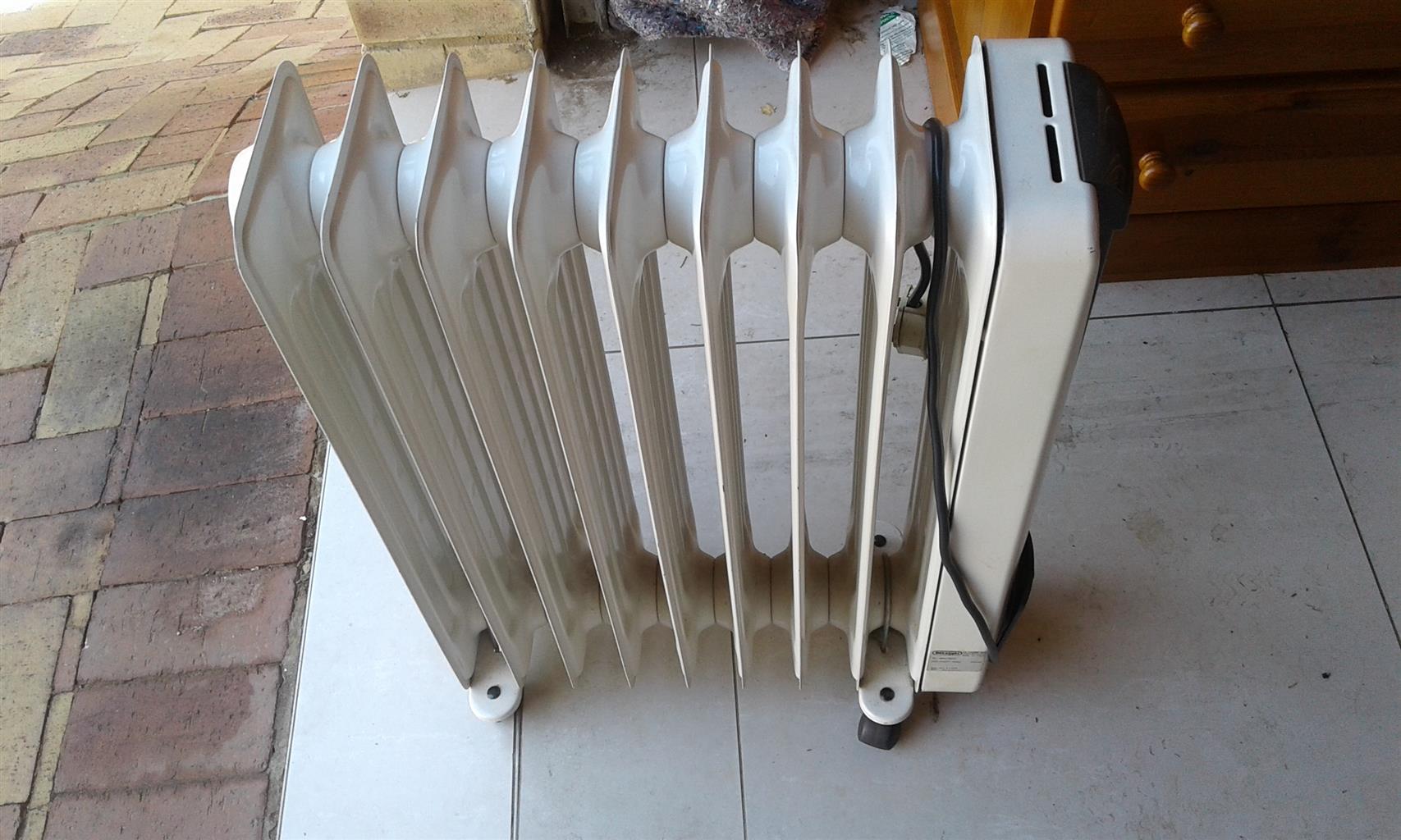 9 Fin DeLongi Oil Heater For Sale