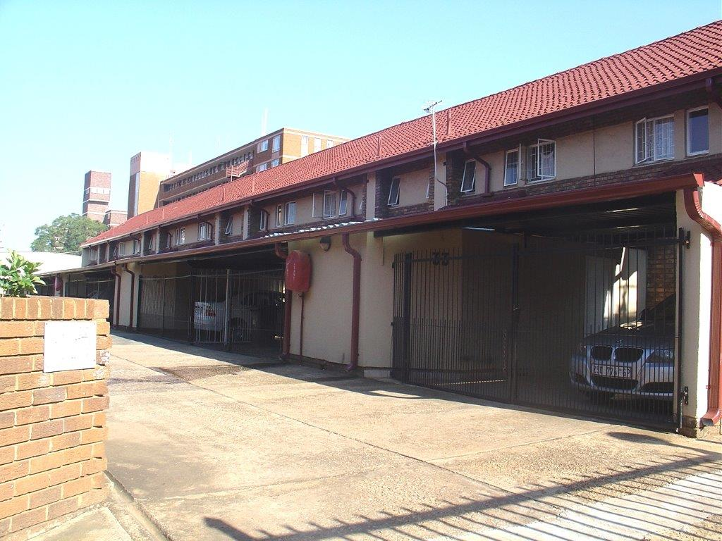 Very Well Situated Duplex (About 112 Sqm In Size) In Wonderboom South