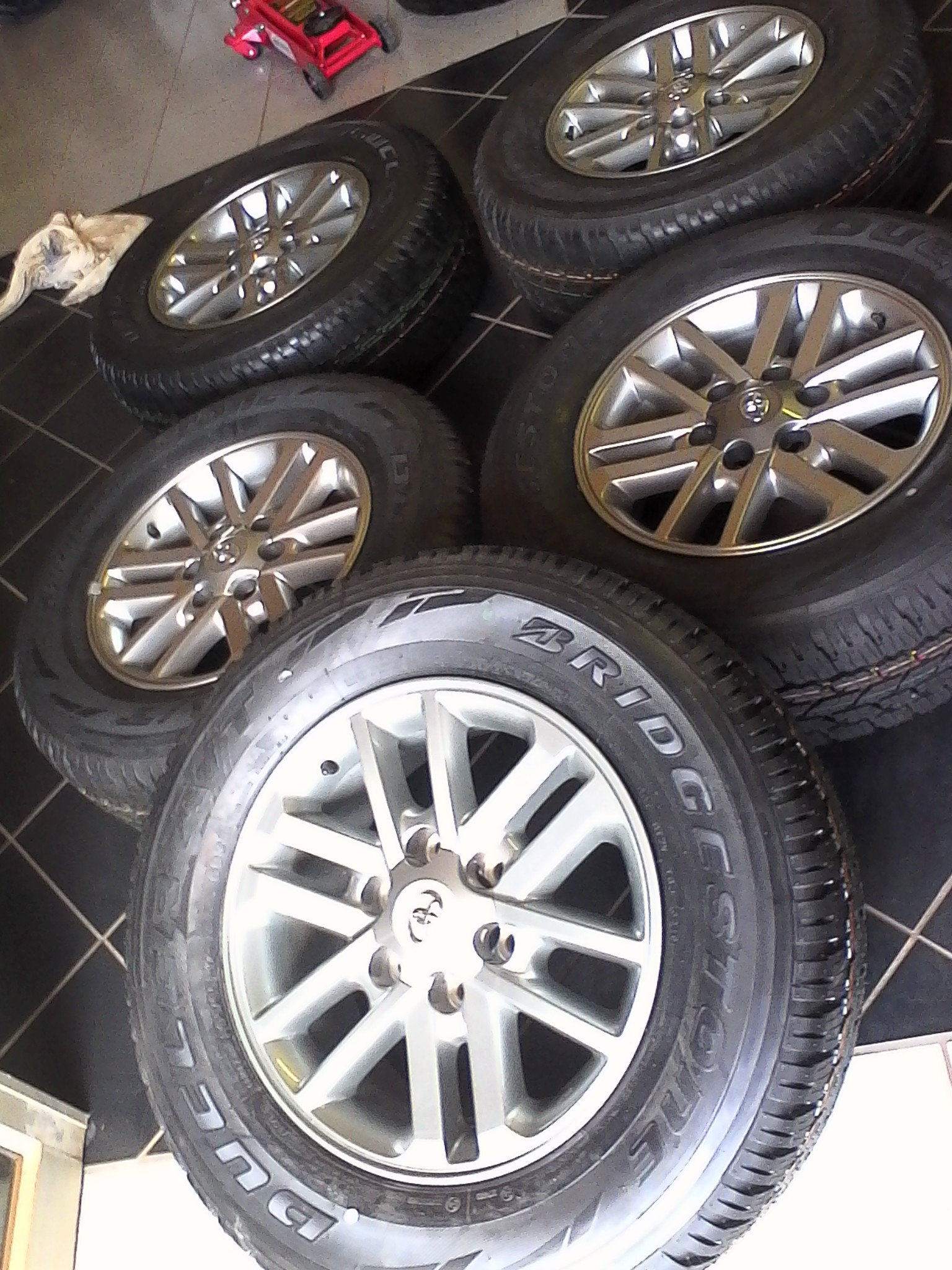 Toyota hilux fortuner 17'' legend 45 daker grey mags with new tyres 265/65/17 brigestone dueller A/T combo set 4x r11799