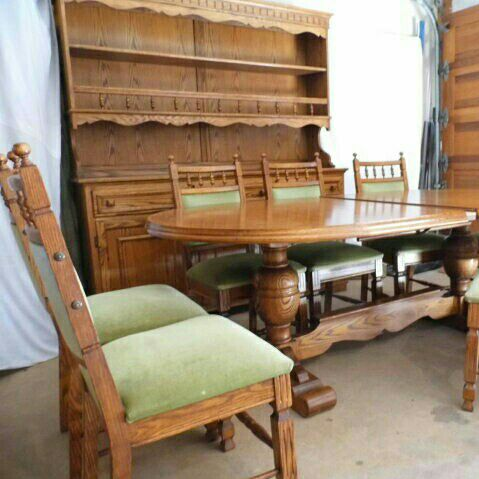 Solid Oak Dining Suite