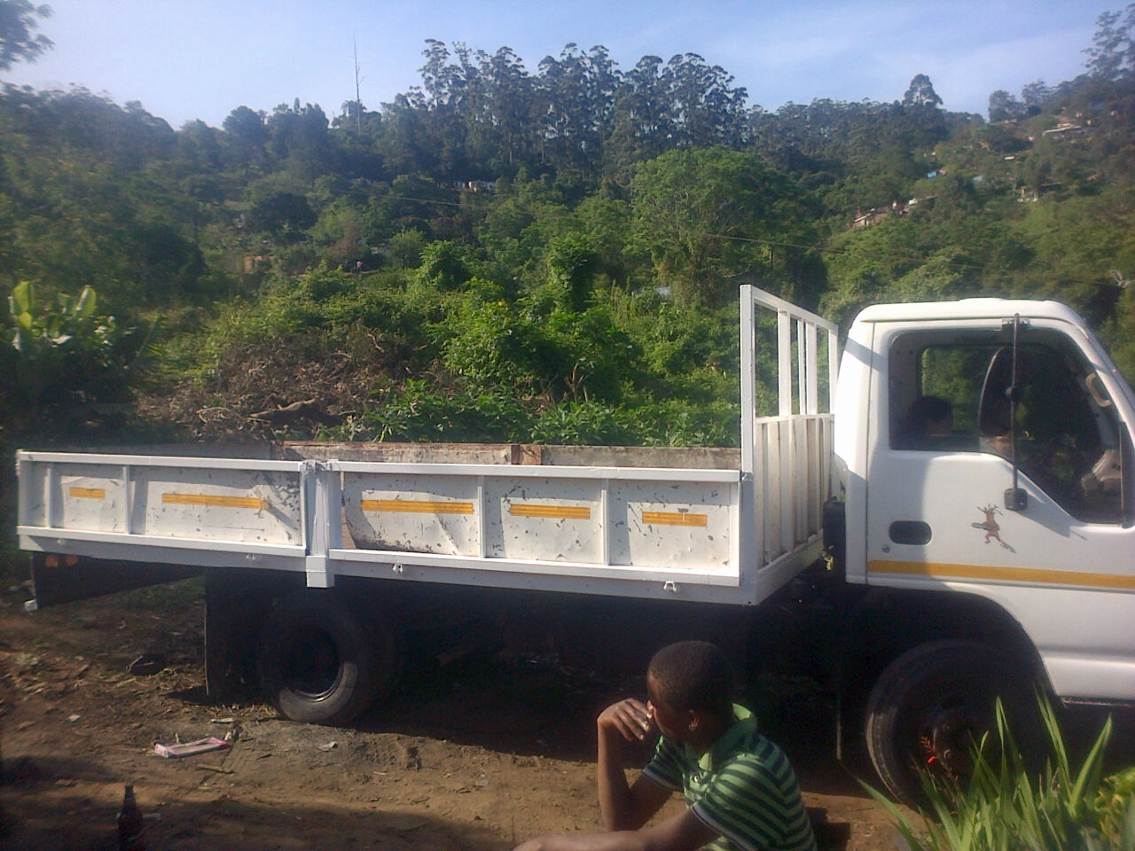 4/6 ton truck for hire