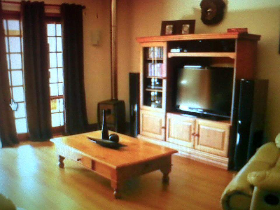 Oregon tv unit and chest of drawers