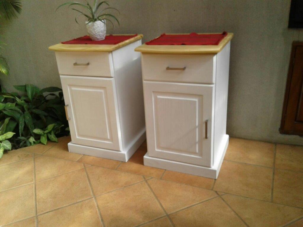 SERVER/DRESSER & 2 x PEDESTALS. 2 x Bedside tables/pedestals & 1 x Dresser.
