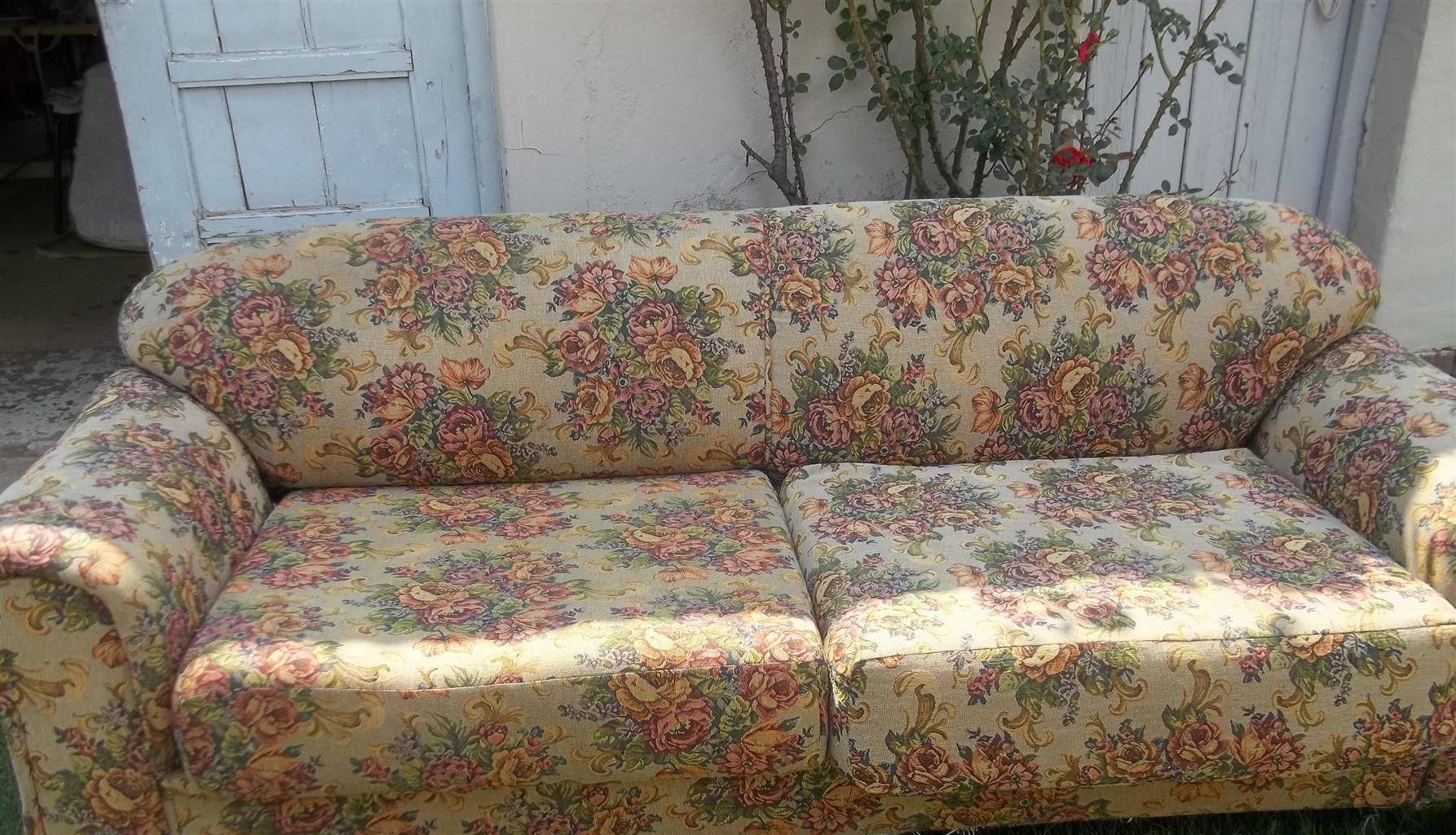 Gomma Gomma couches Big 2 Seater & 1 Seater