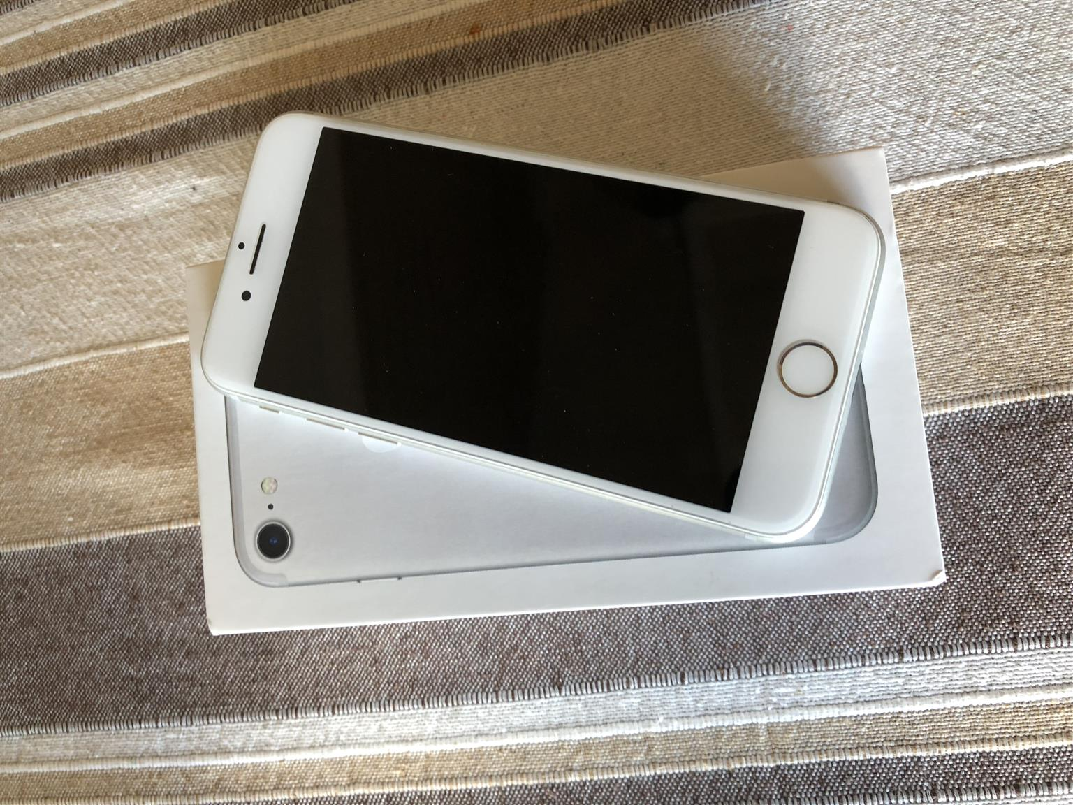 iPhone 7 32GB in Silver