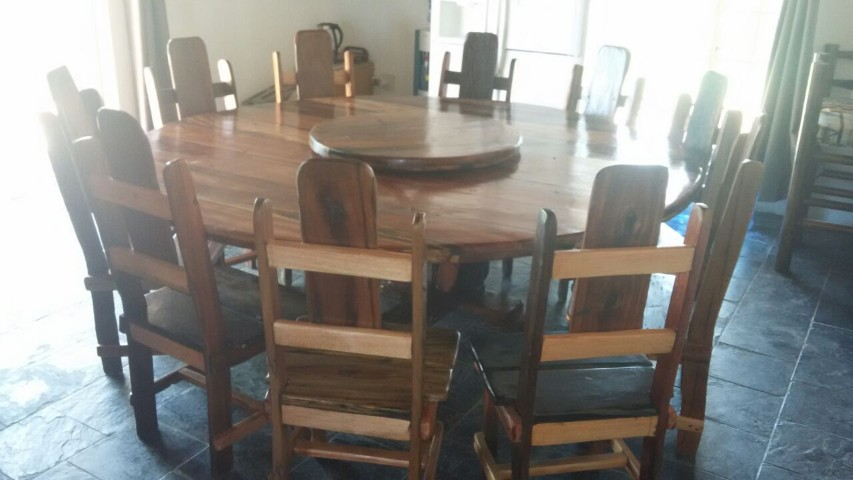 BOARDROOM ROUND TABLE