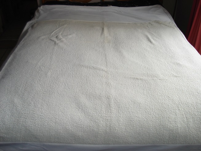 Polyester mattress topper (overlay)