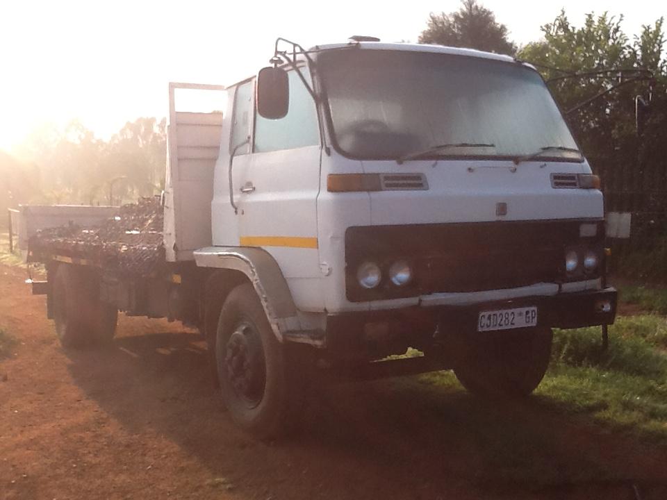 isuzu truck std