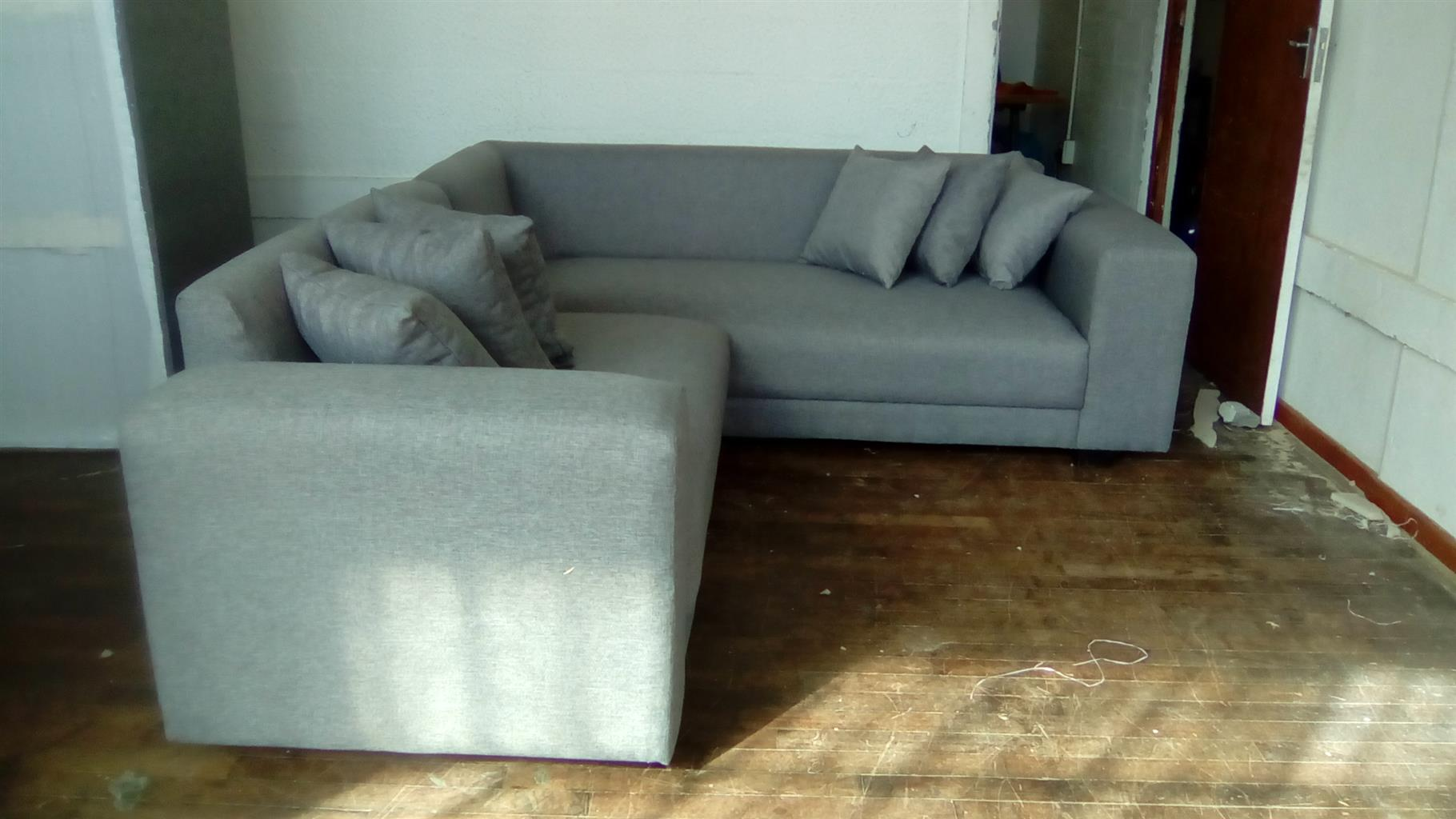 L-shap couch