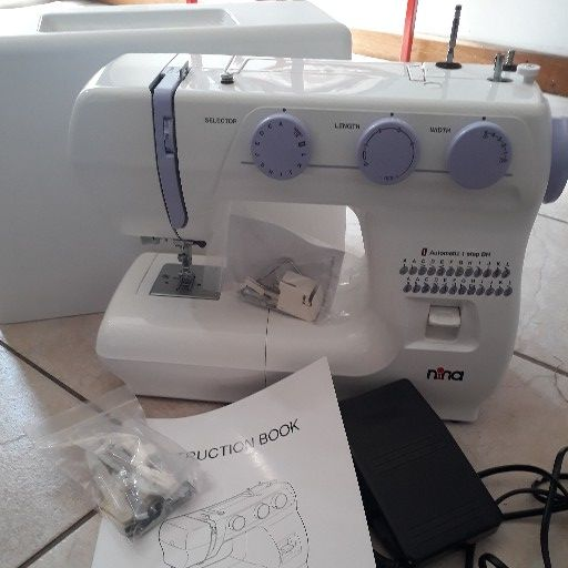 Nina 3022 sewing machine