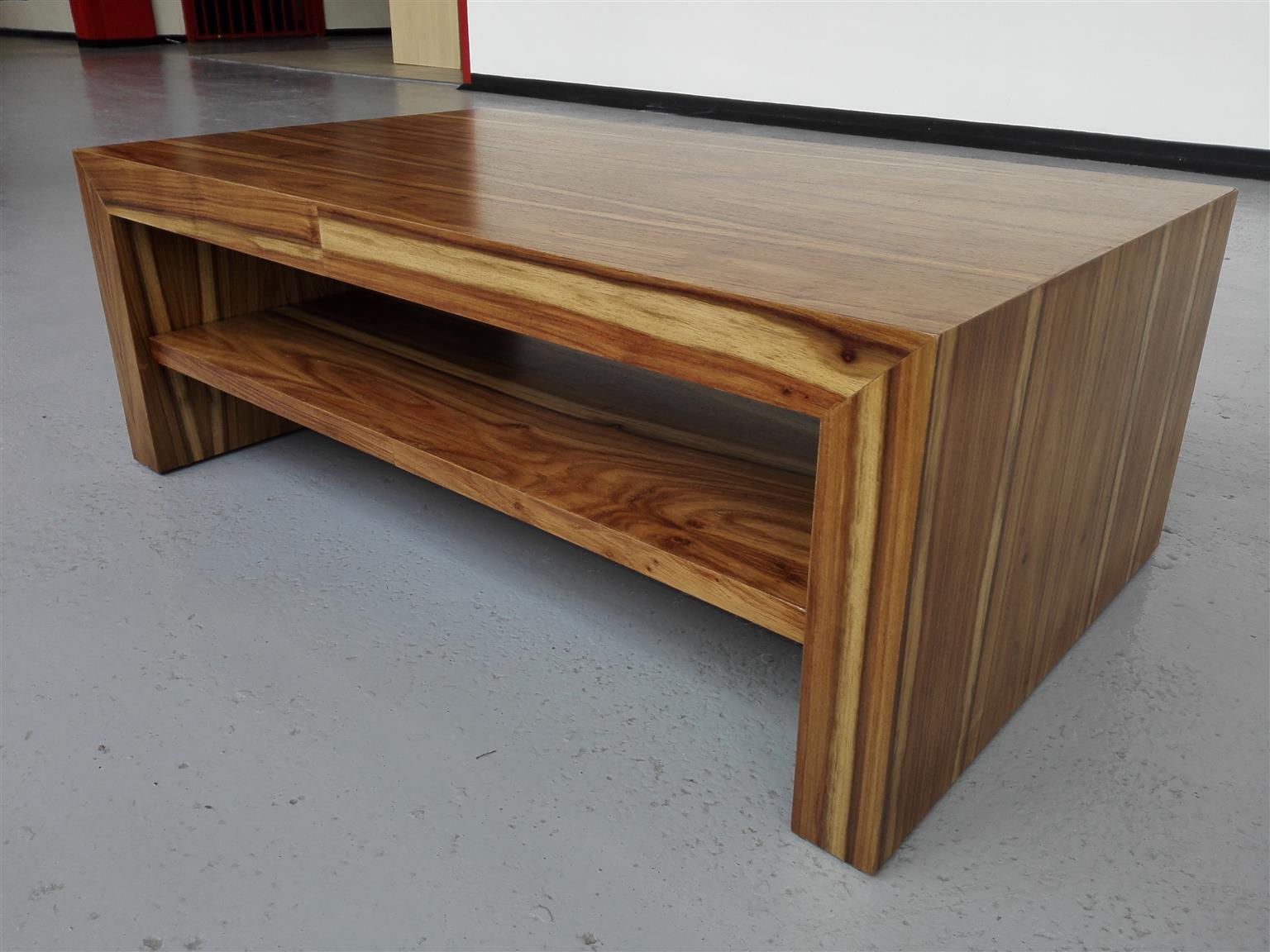 Simplex kiaat coffee table