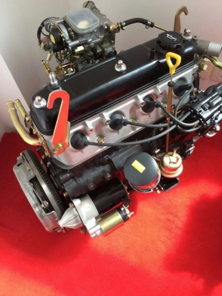 BRAND NEW TOYOTA HIACE 4Y COMPLETE ENGINES & GEARBOXES