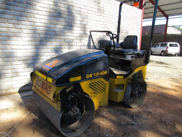 Bomag BW120ADH, AD-4 Ride on Roller