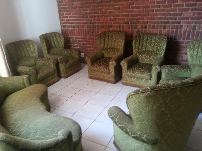 Antique Scarce Lounge Suite