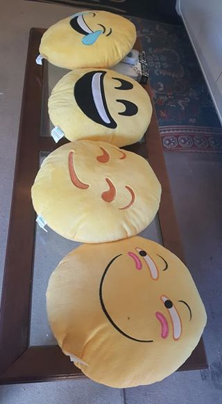 32cm Emoji Smiley Emoticon stuffed cushions