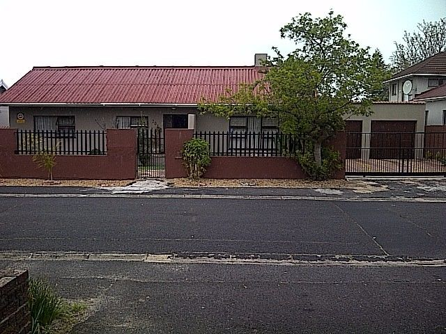 Large neat granny flat in Boston Bellville to let.