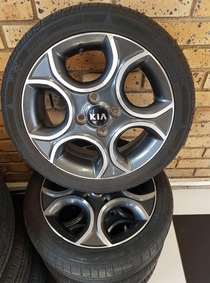 "Original Kia Mags 15"" with tyres"