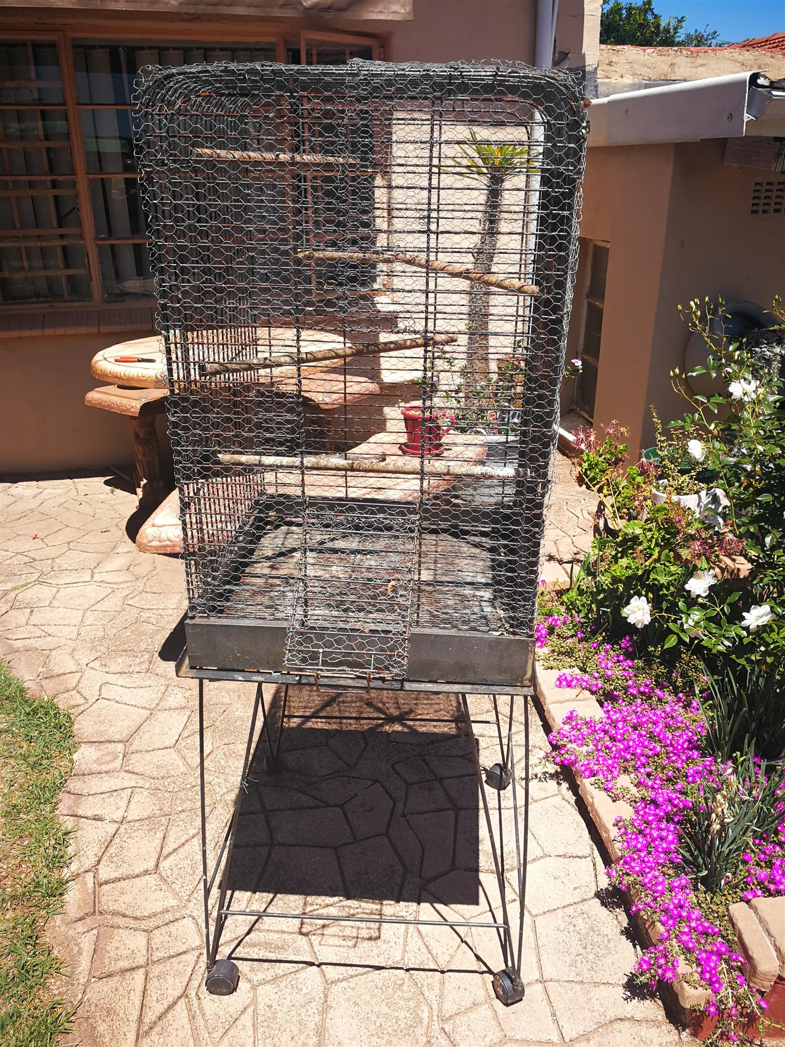 Bird cage on stand