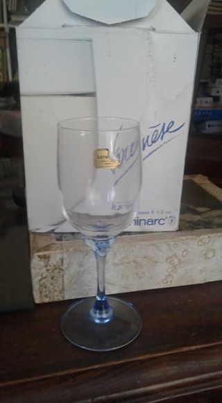 Wine glasses set of 4 new