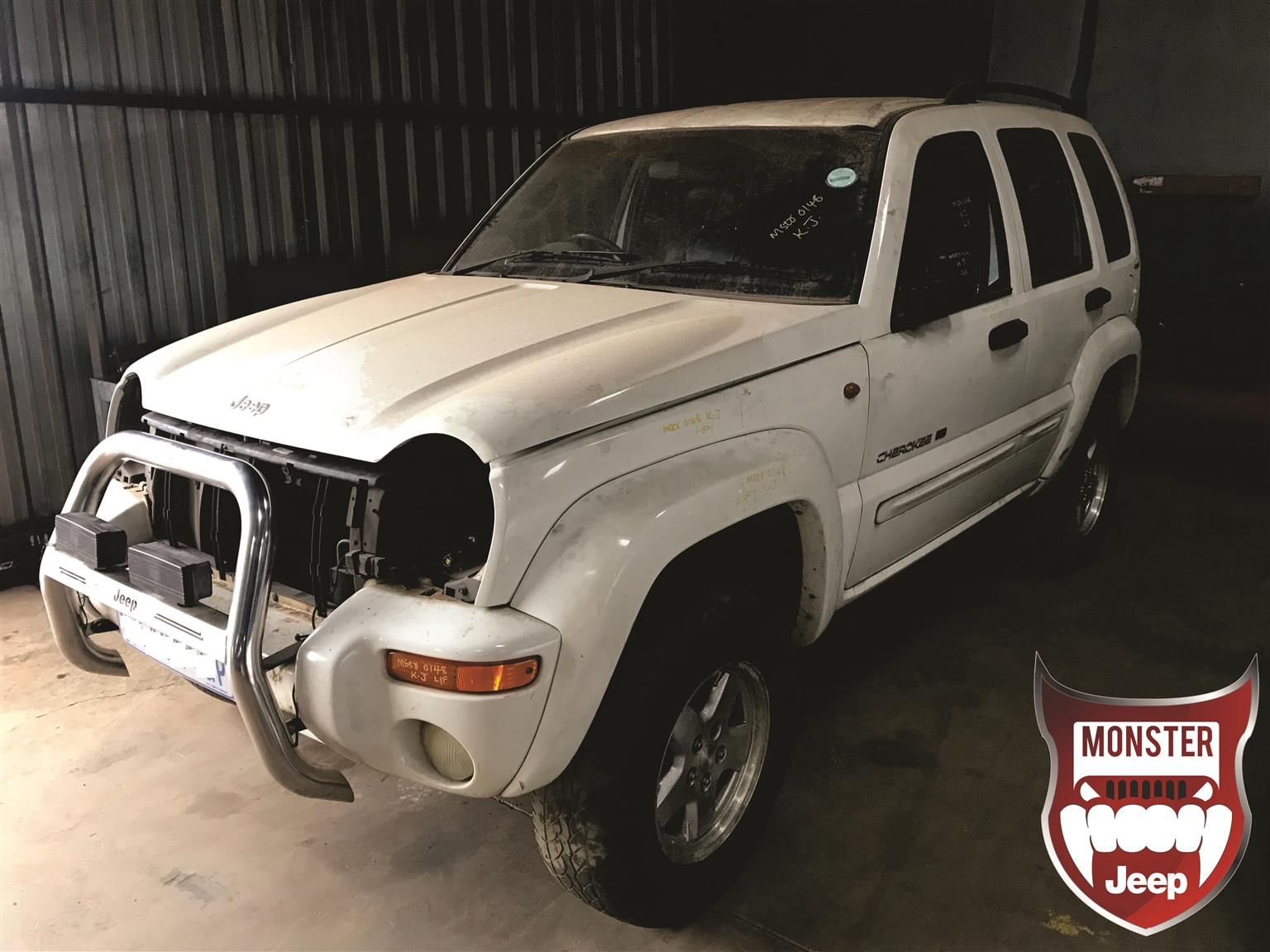Jeep Cherokee KJ 2.5 CRD for stripping