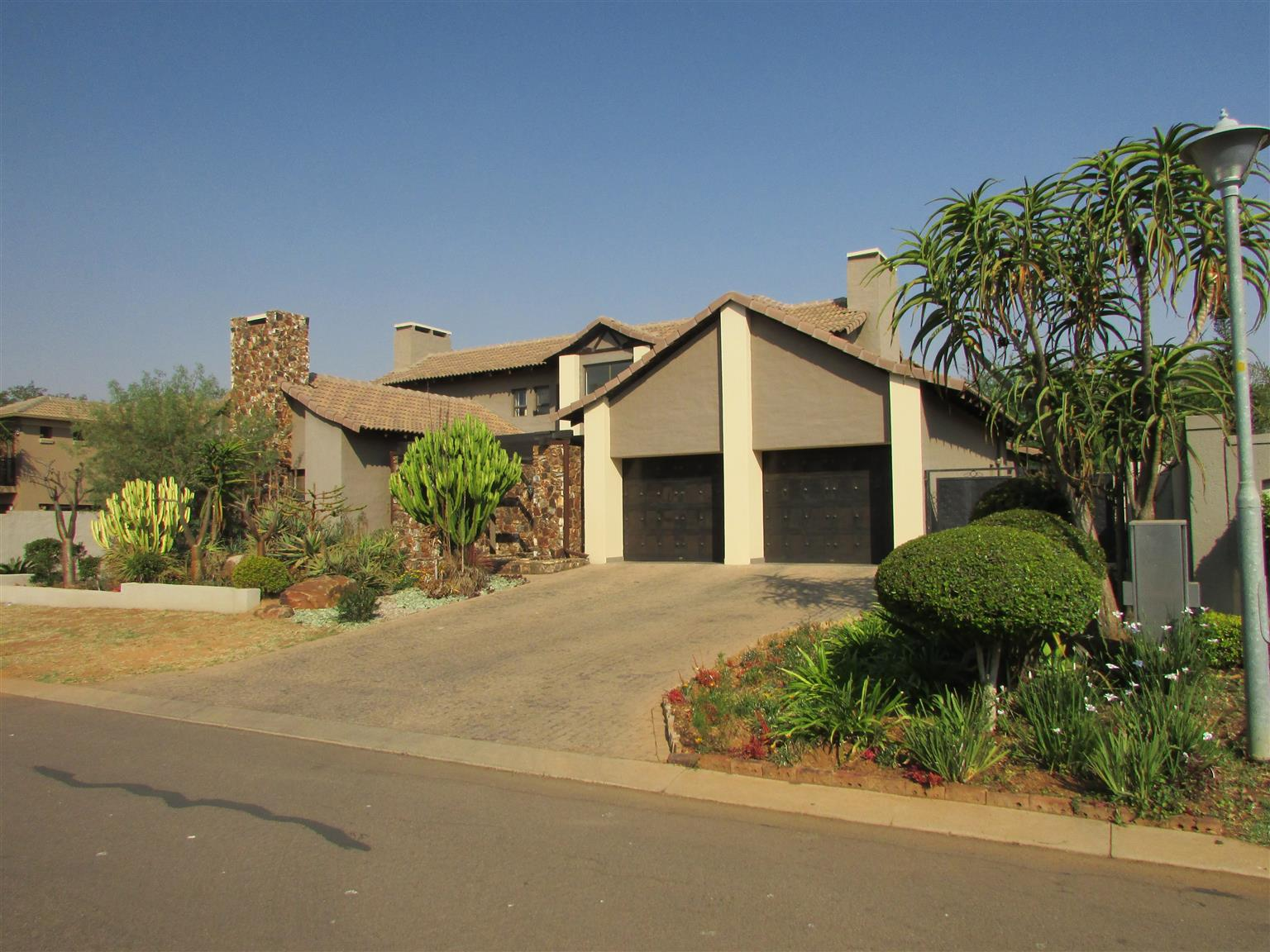 Magnificent 4 bedroom home in Silver Stream estate