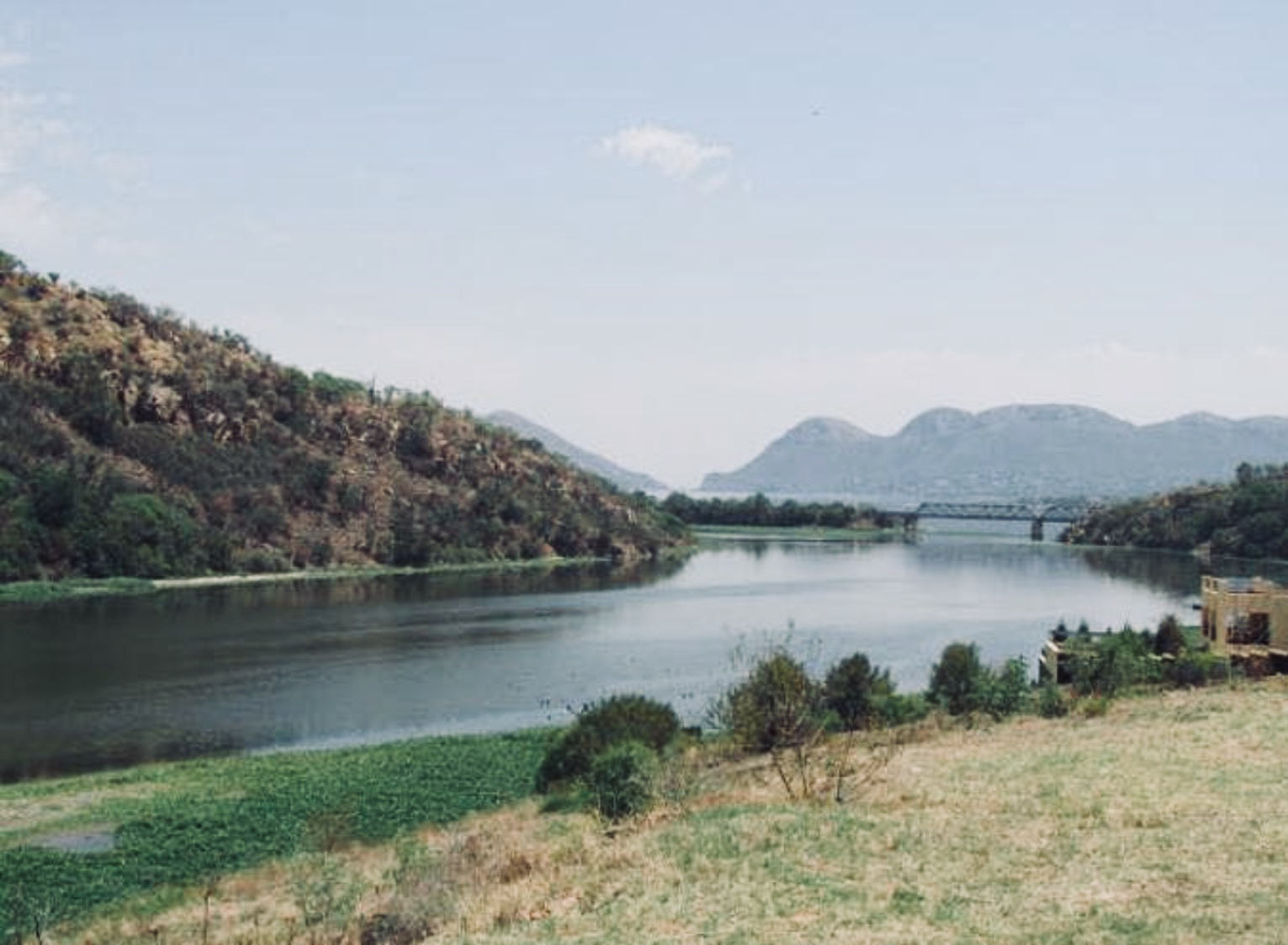 700sqm stand situated in Ville d' Afrique, Estate d' Afrique, Hartbeespoort Dam. The stand boasts with views of the mountain reserve, Crocodile river and dam wall.