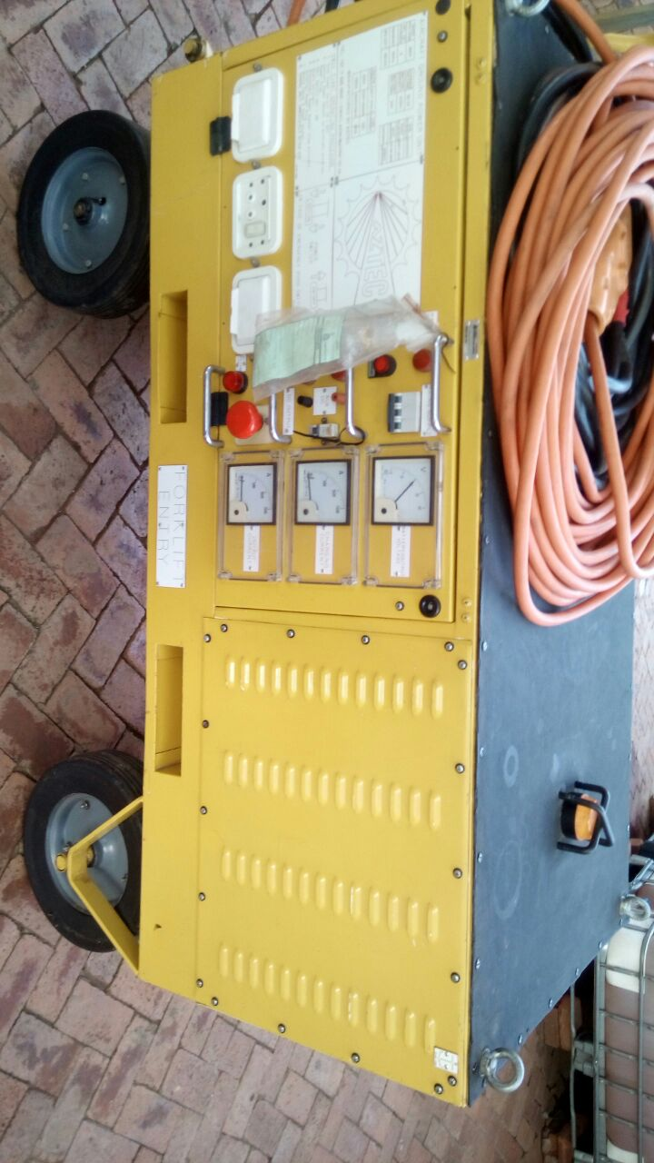 Aircraft Ground Power 28 Volt 3 Phase/Battery Operated Unit