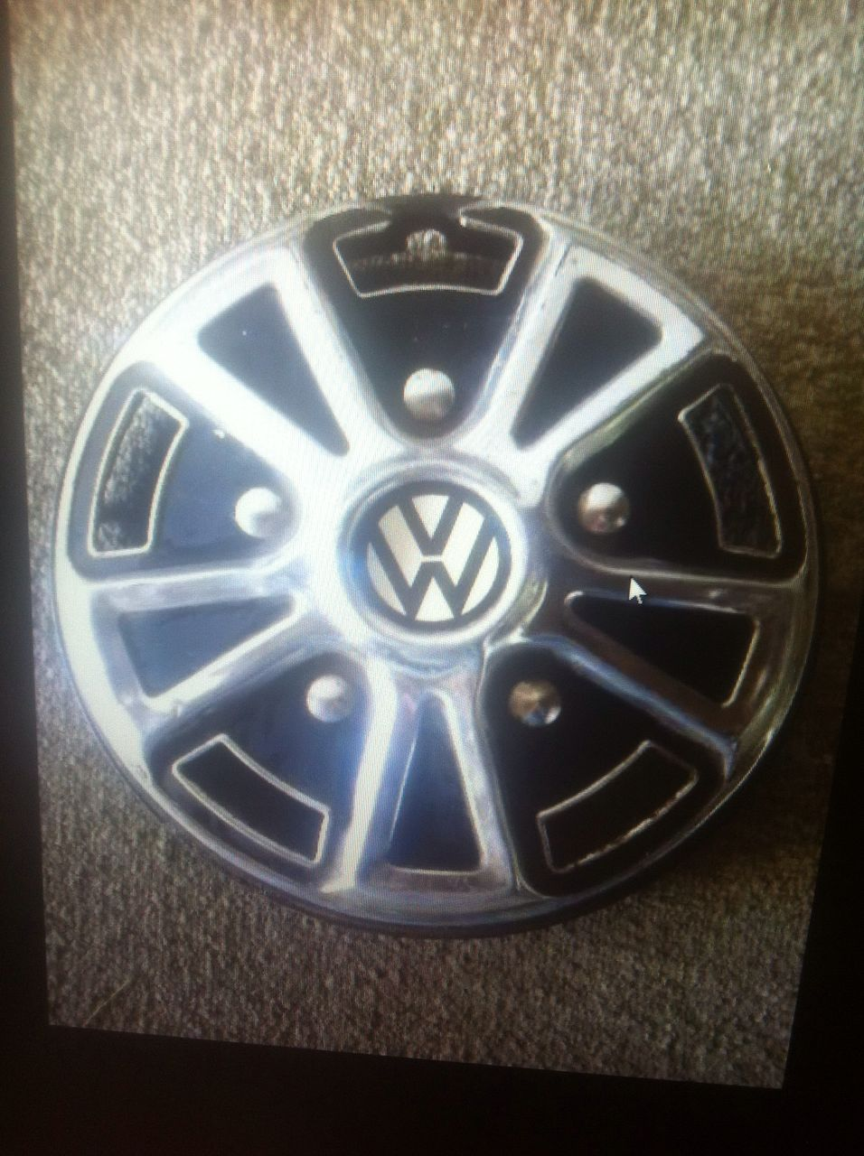 VW, older model: 12 inch wheel cap