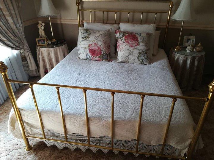 Brass bed (Queen size)