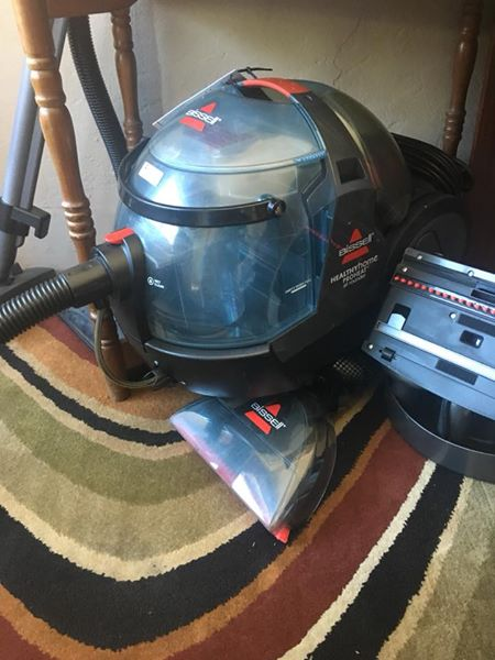 Bissel Vacuum & cleaner