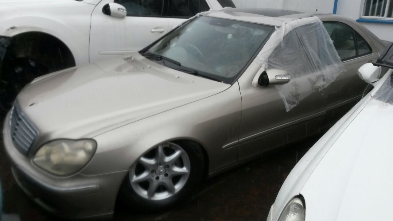 Mercedes W220 S Class stripping for Spares