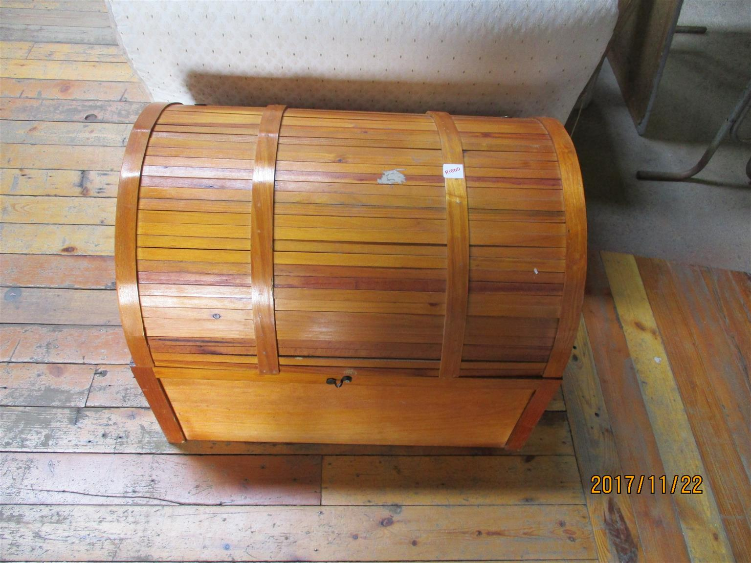 2nd hand  wooden storage container for sale