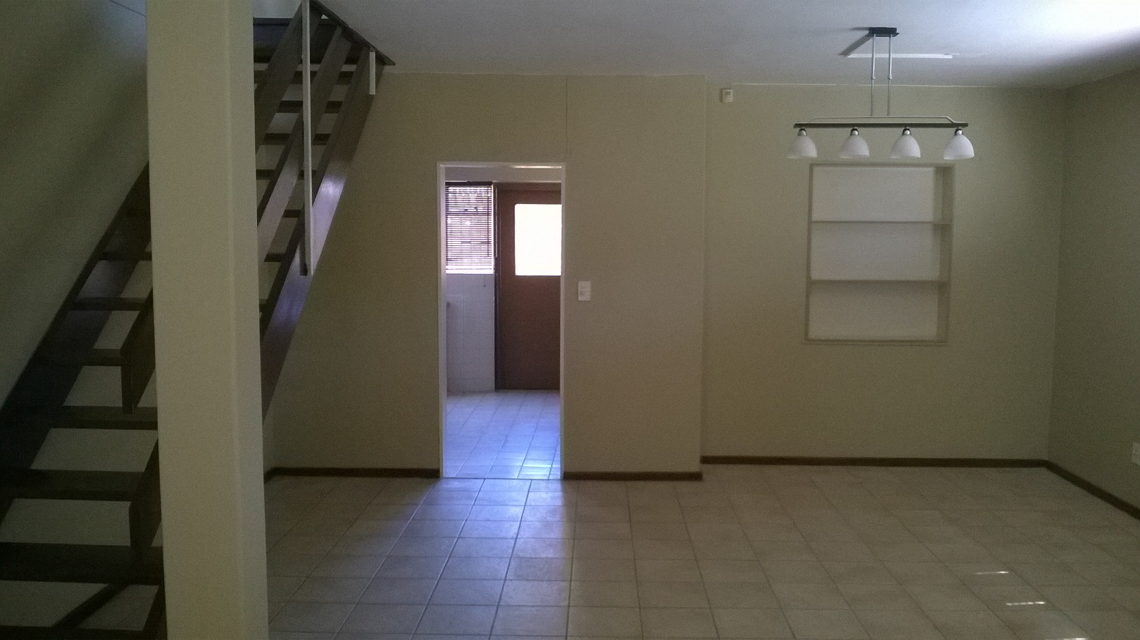 SPACIOUS 3 BEDROOM TOWN HOUSE IN MILNERTON