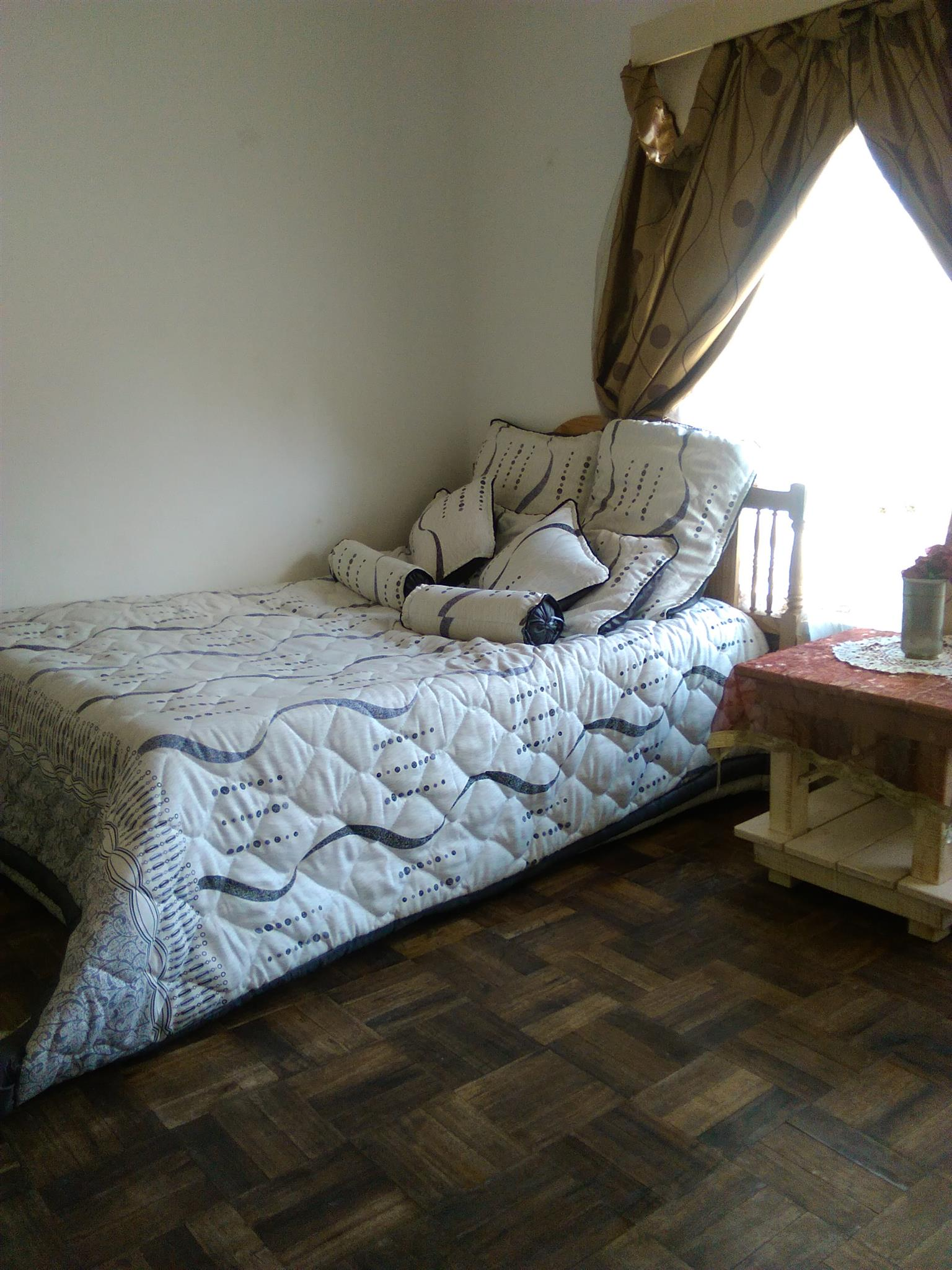 Rooms for rent in 4bed rooms house