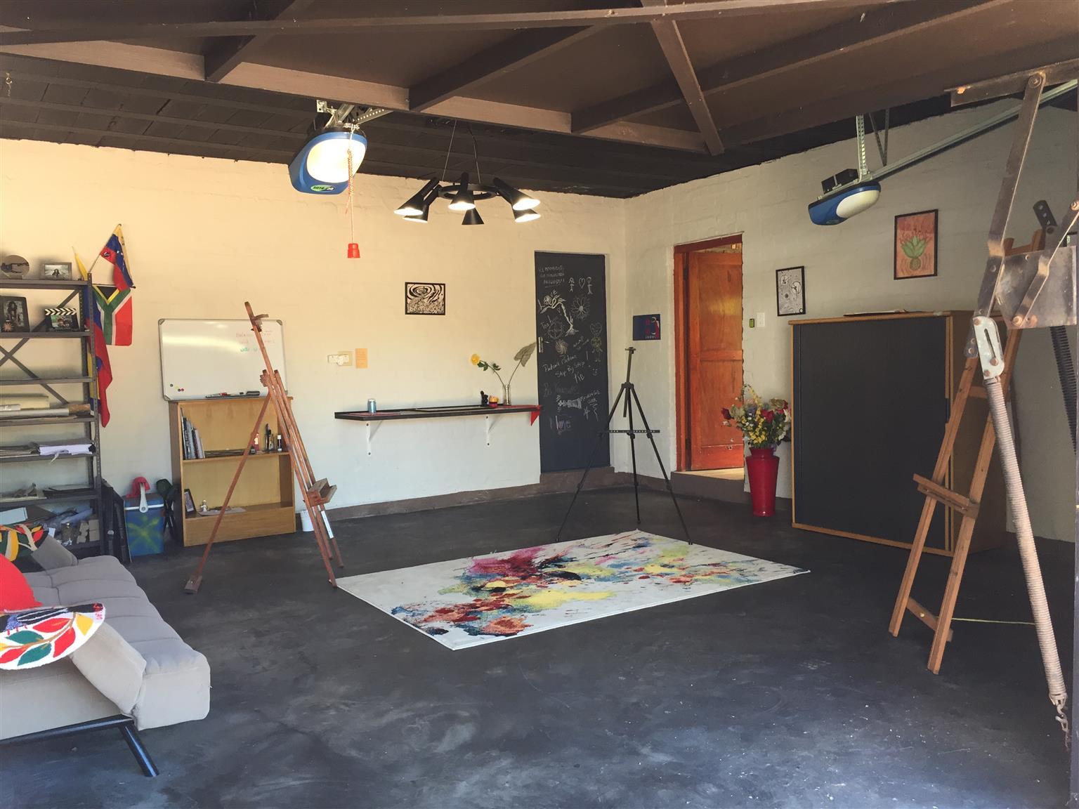 ART STUDIO/Garage to share