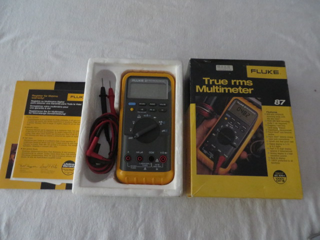 Fluke 87 Handheld Digital Multimeter LIKE NEW