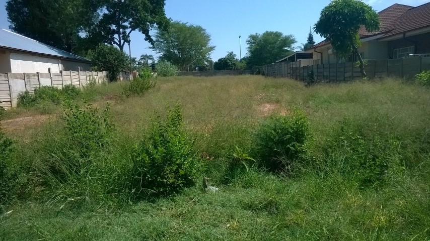 Stand for sale in Pretoria North, zoned for storages