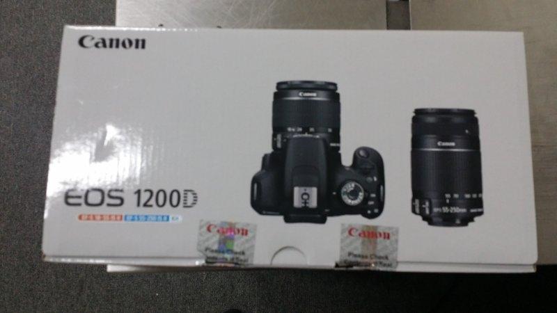 1300d bag,lens,and a card