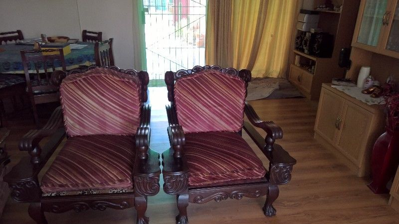 Lounge suite for sale in the West Rand